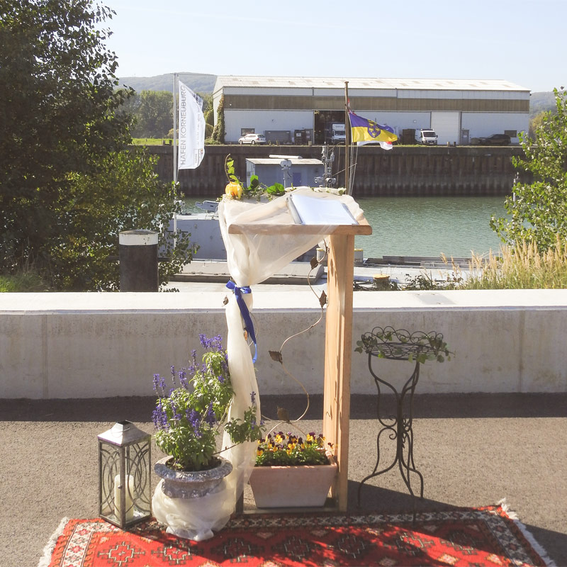 Naturbestattung Donau Wasserbestattung Wasserbeisetzung Urne Bestattung Urnenbestattung